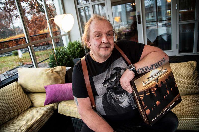 – Det skulle vara ett jävla sätt att behöva sluta på det här viset säger Olle Jönsson om coronaviruset.