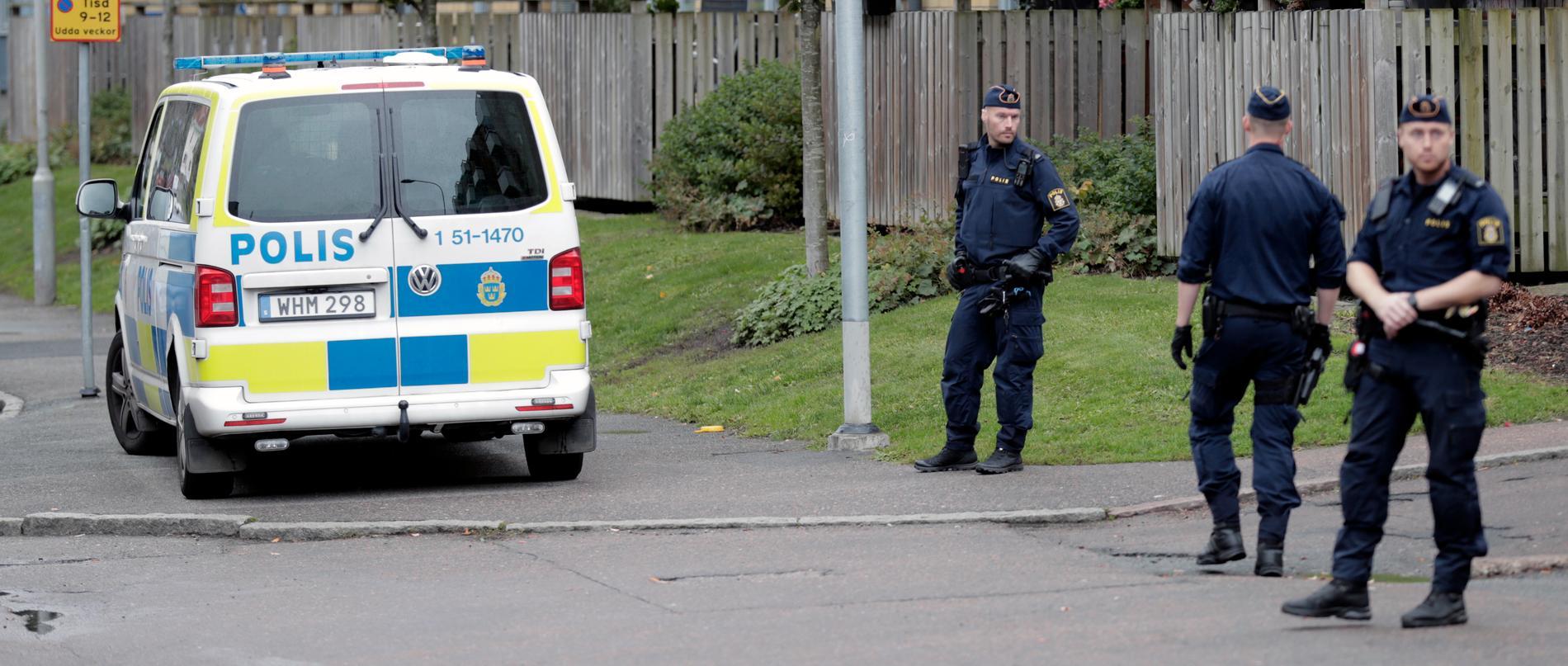 Polisen genomförde flera insatser under torsdagen.