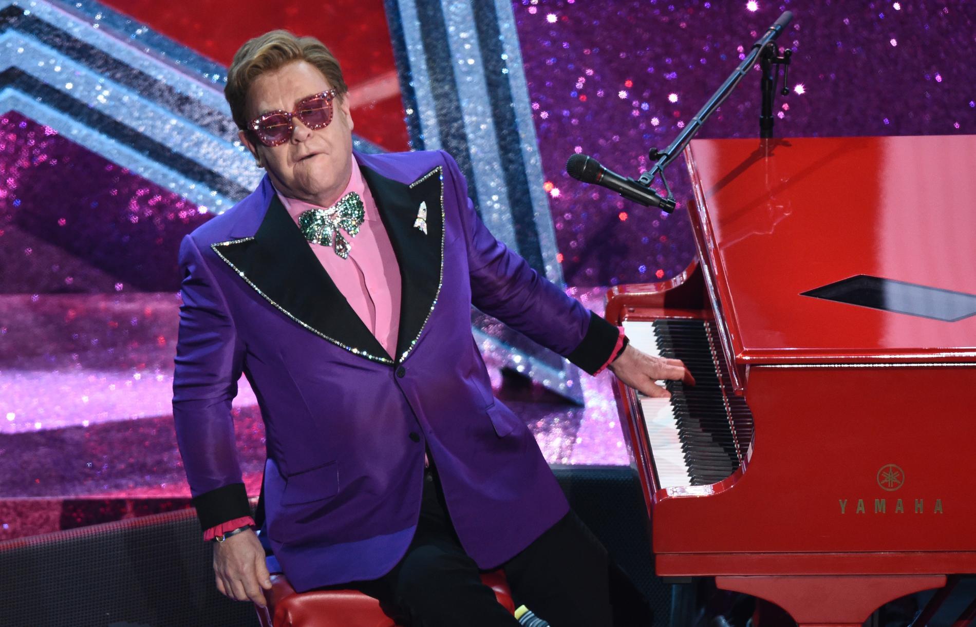 Elton John ska spela på Tele 2 Arena den 1 och 2 oktober. Förhoppningsvis.