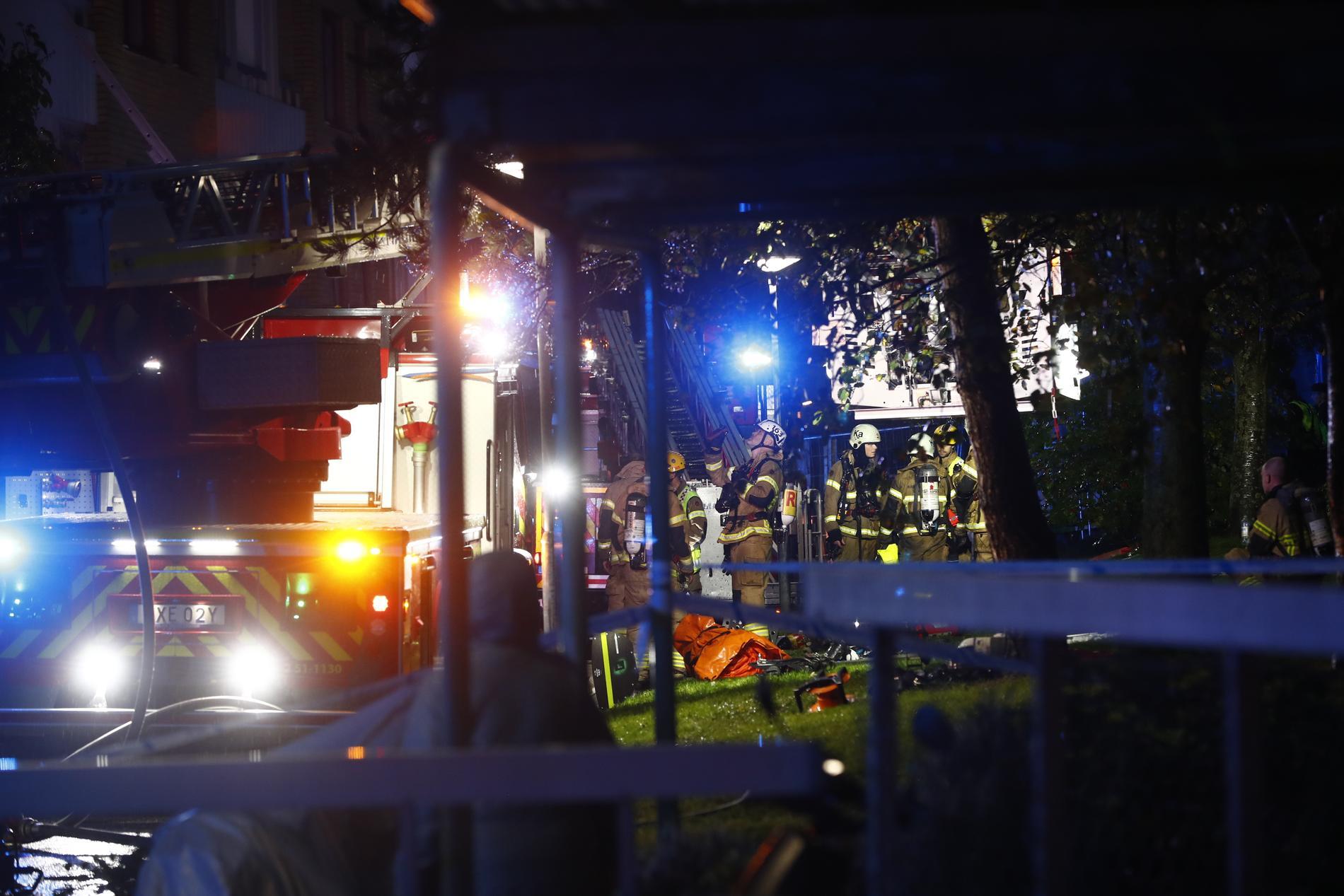 Räddningstjänst, ambulans och ambulanshelikopter är på plats.