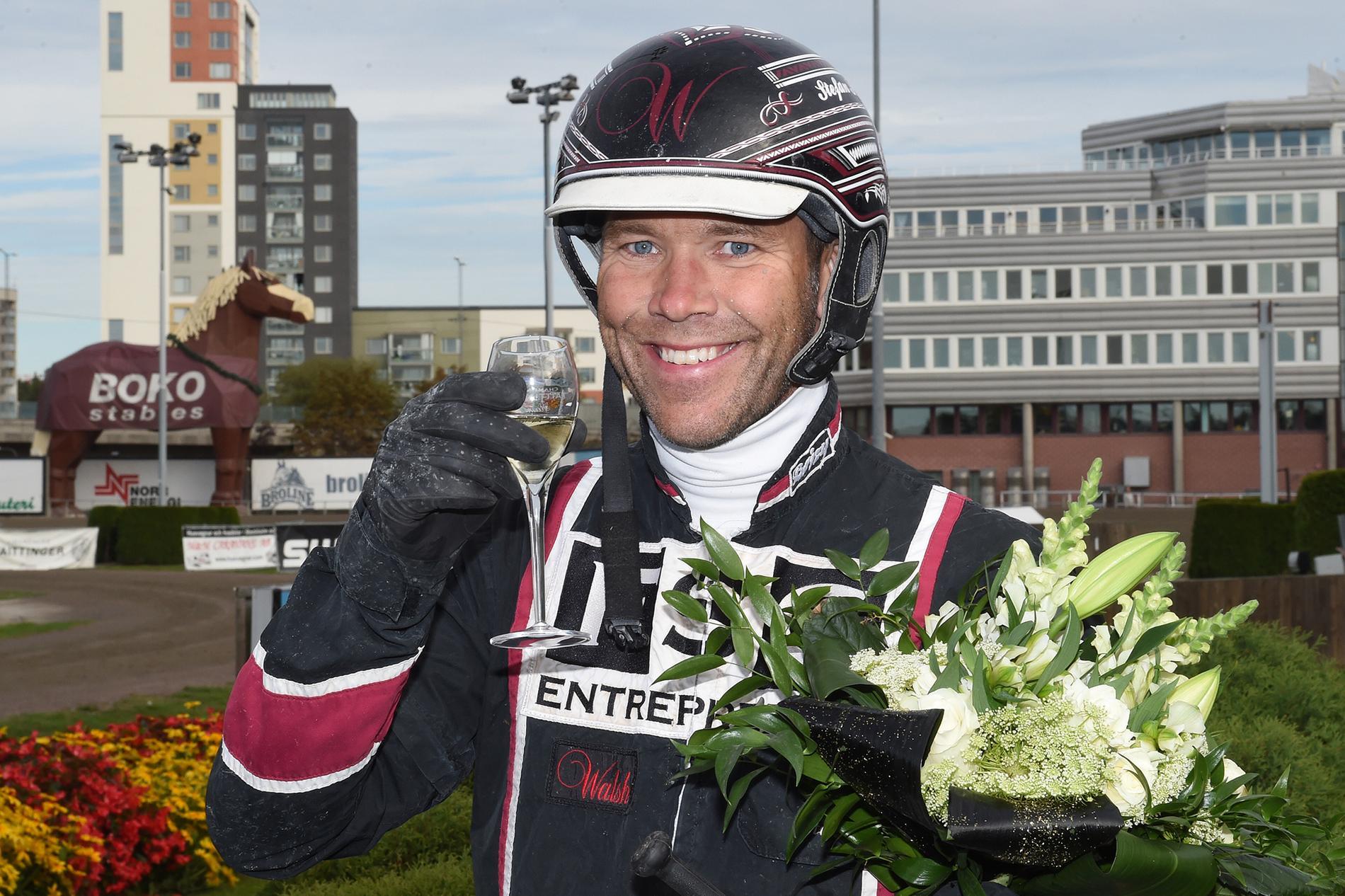 Stefan Persson kör spiken Cantona Mearas.