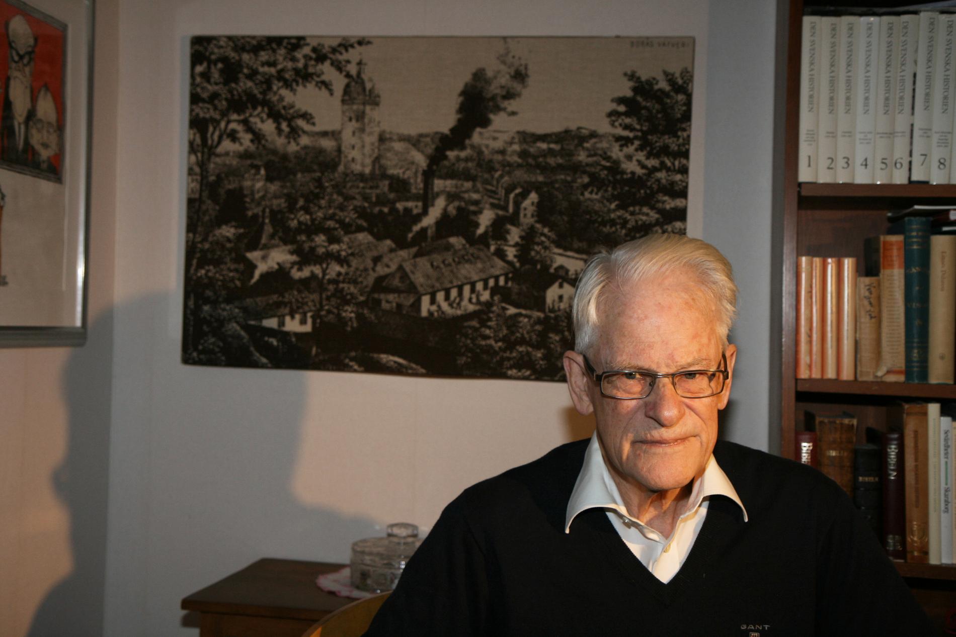 Ingvar Carlsson i lägenheten i Tyresö