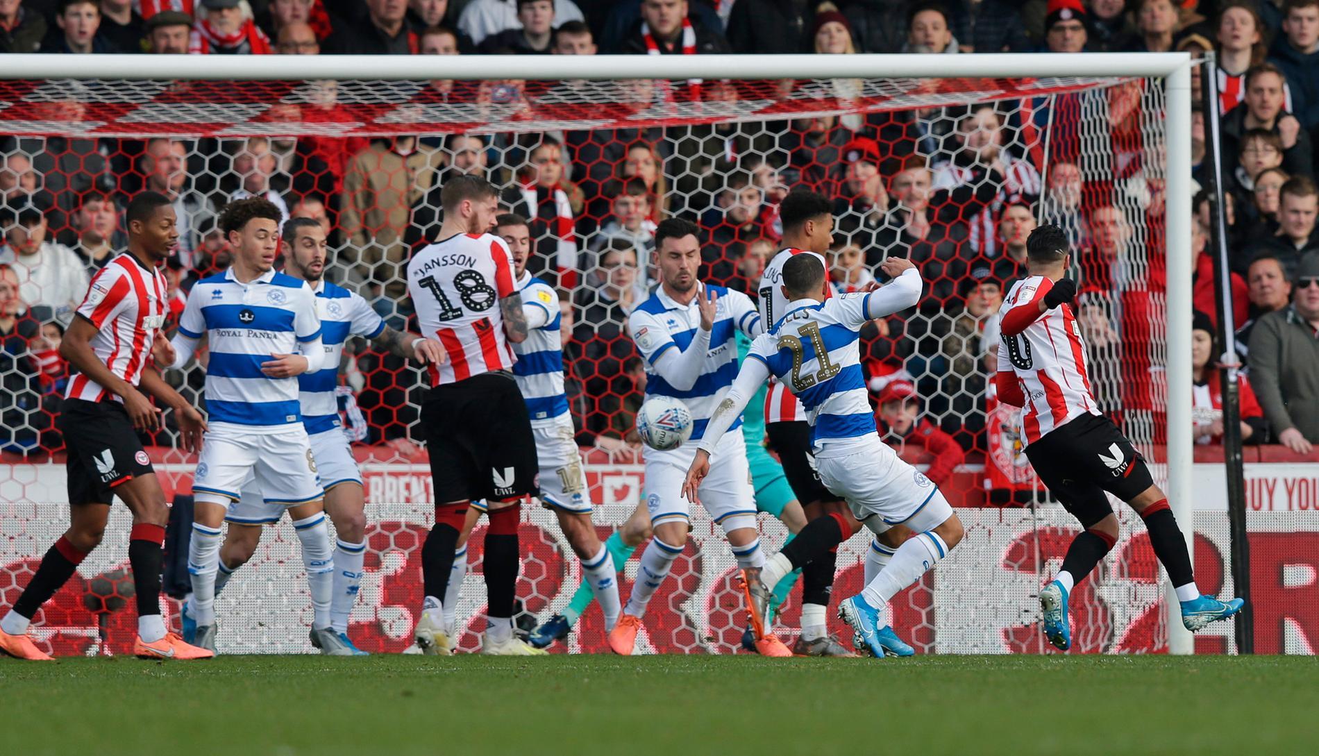 QPR (blåvita) mot Pontus Janssons Brentford.