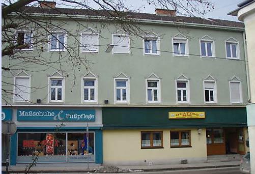 I det här huset i St Pölten erbjuds journalister att hyra en lägenhet. Huset har tidigare ägts av Fritzl.
