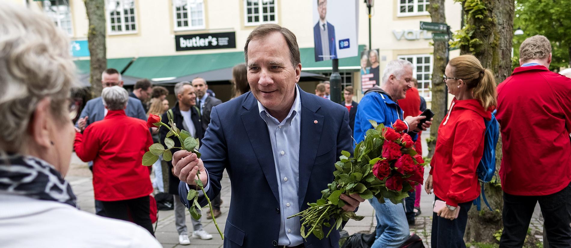 Statsminister Stefan Löfven (S) kan stå inför ännu ett val. Här syns han på valturné i Trollhättan inför EU-valet 2018.