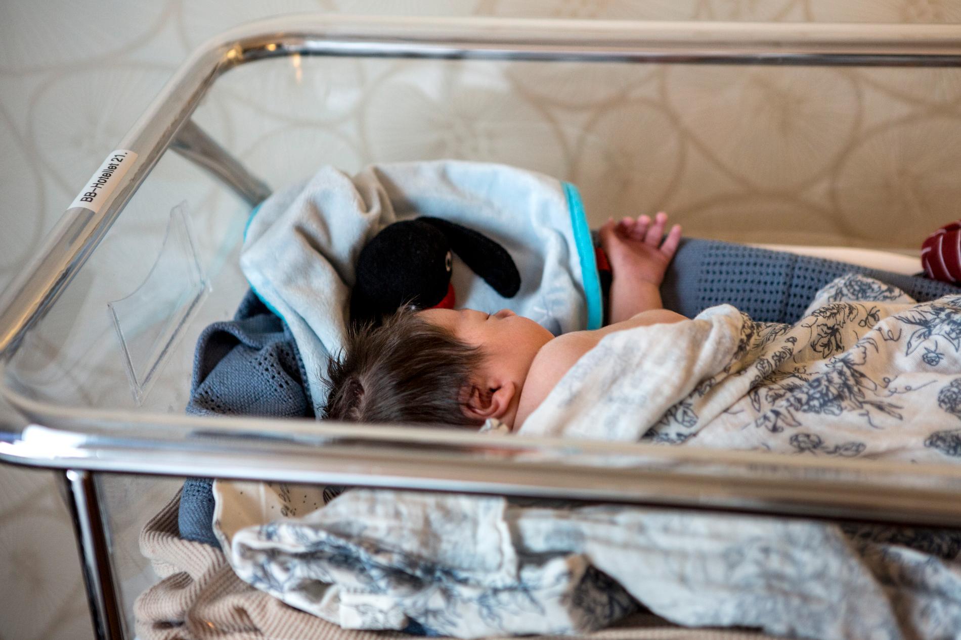 Nu sägs att barnet och mamman kommer vårdas ihop.