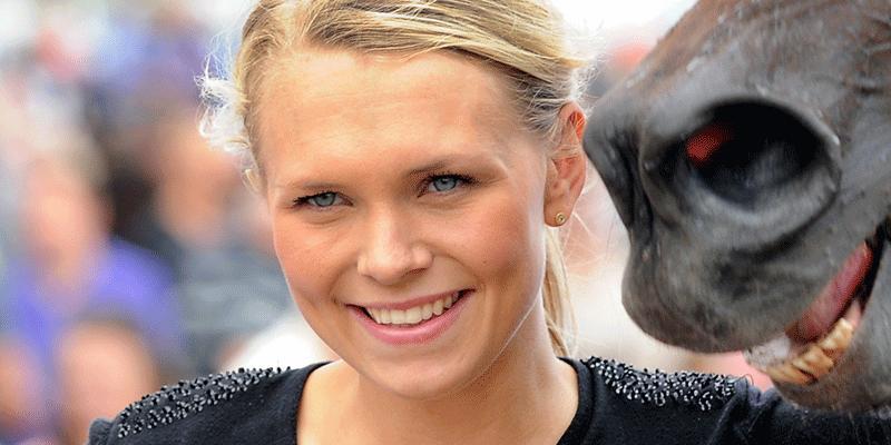 Josefine Ivehag var självfallet strålande glad när hon kvalade in Chablis Ribb till finalen av Stoxhampionatet på hemmaplan.