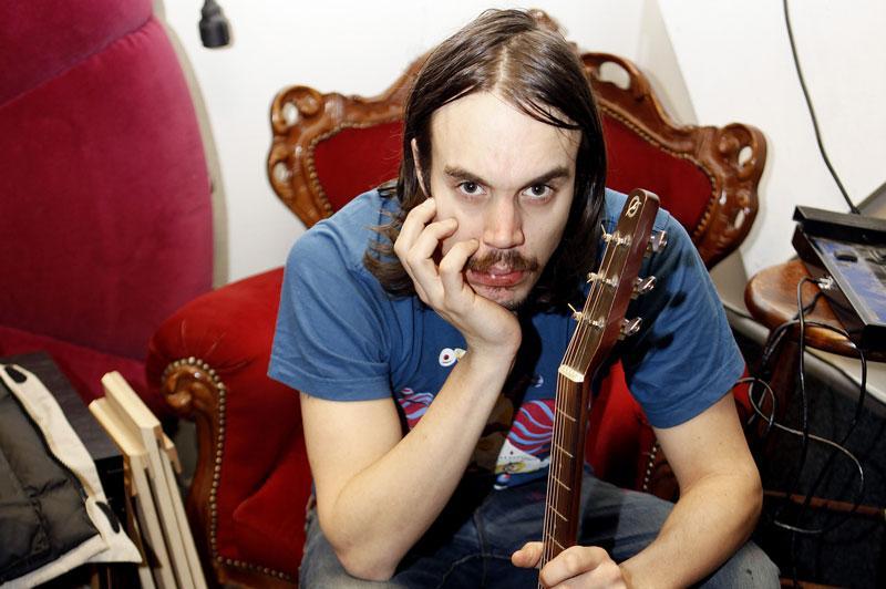 Andreas Kleerup åker på turné med band.