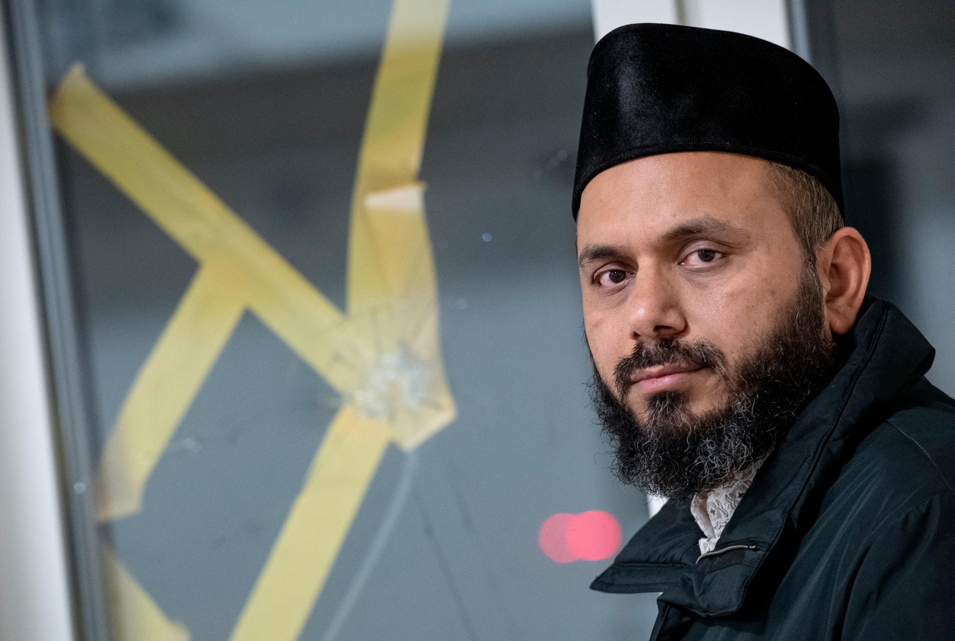 Rizwan Afzal är imam vid Mahmoodmoskén.