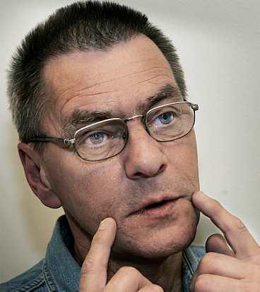 felbehandlad Denny Boströms tandvärk blev värre av behandlingarna. Tandläkaren anmäldes till Hälso- och sjukvårdens ansvarsnämnd.