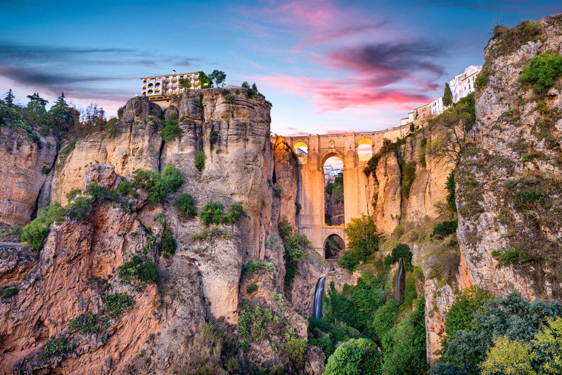 Tre broar finns i Ronda.