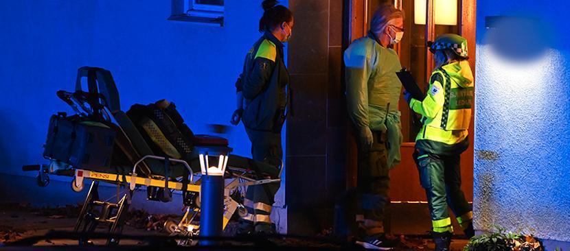 Polisen larmades till till Farsta efter skottlossningen.