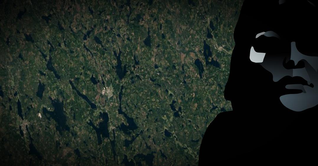 En kvinna hittades död i samband med ett arrangerat rollspel i skogen.