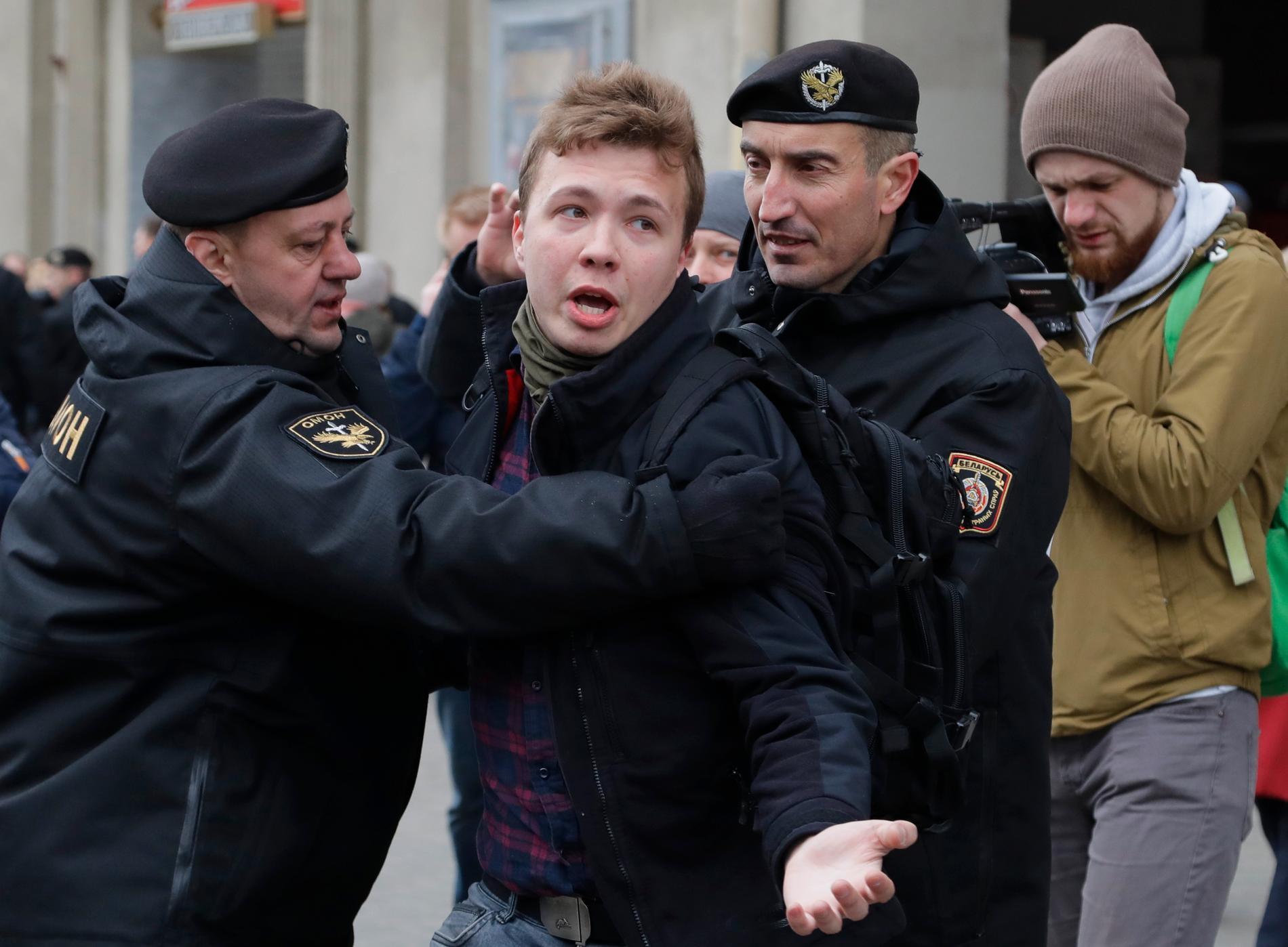26-årige Roman Protasevitj lever i exil i Polen från Belarus och har bland annat drivit den oppositionella kanalen Nexta.