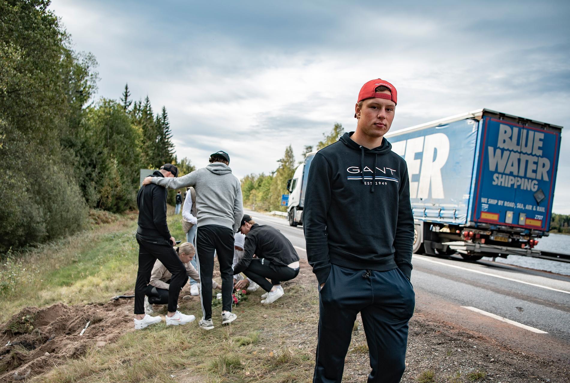 Linus Sandqvist spelade bandy tillsammans med 18-åringen som dog.
