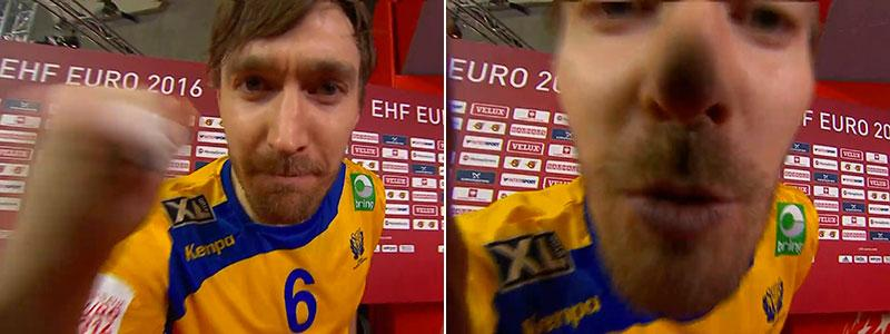 Källmans hälsning in i kameran.