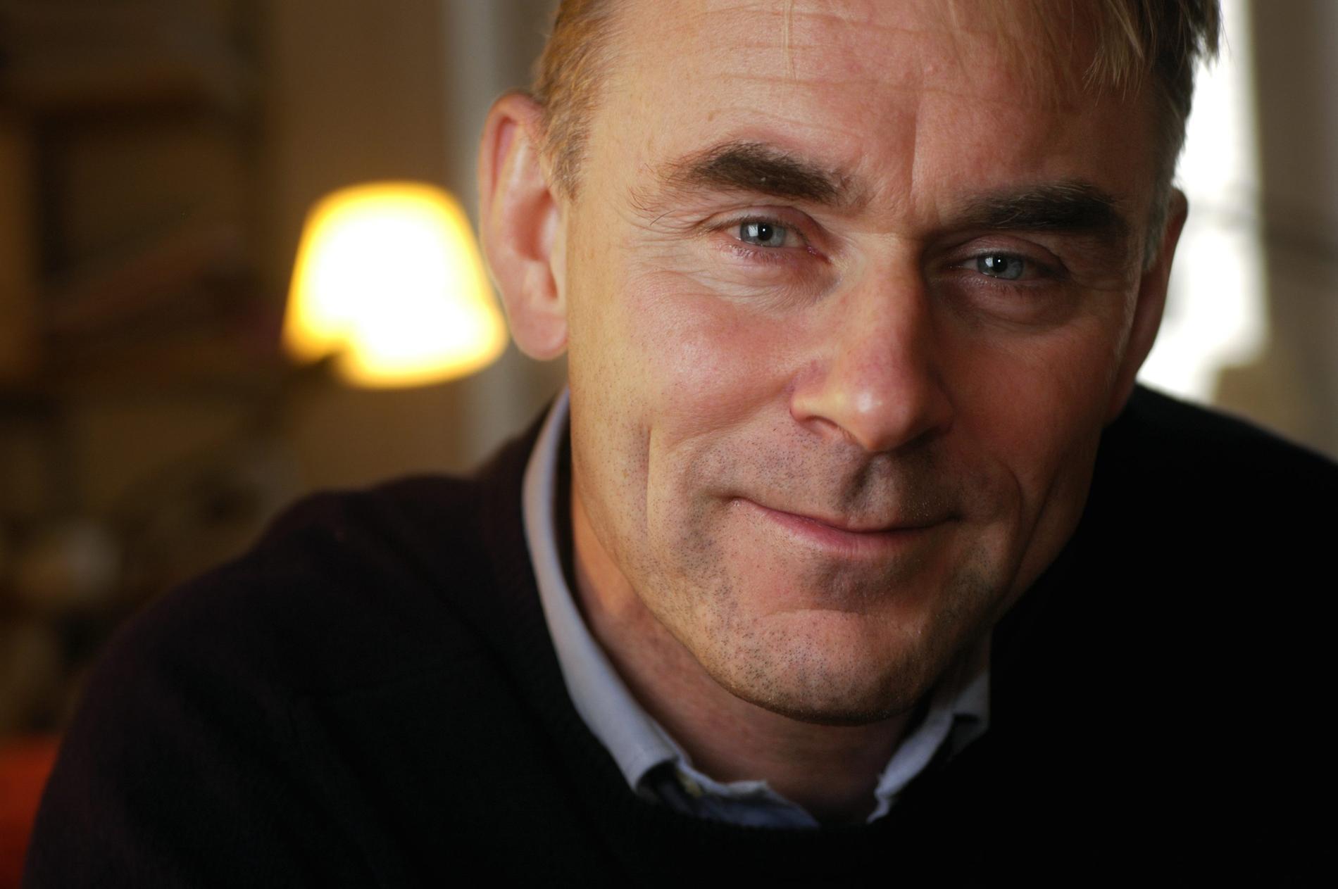 Intäkterna för Sverker Sörlins bok om kriser går till två bokprojekt. Arkivbild.