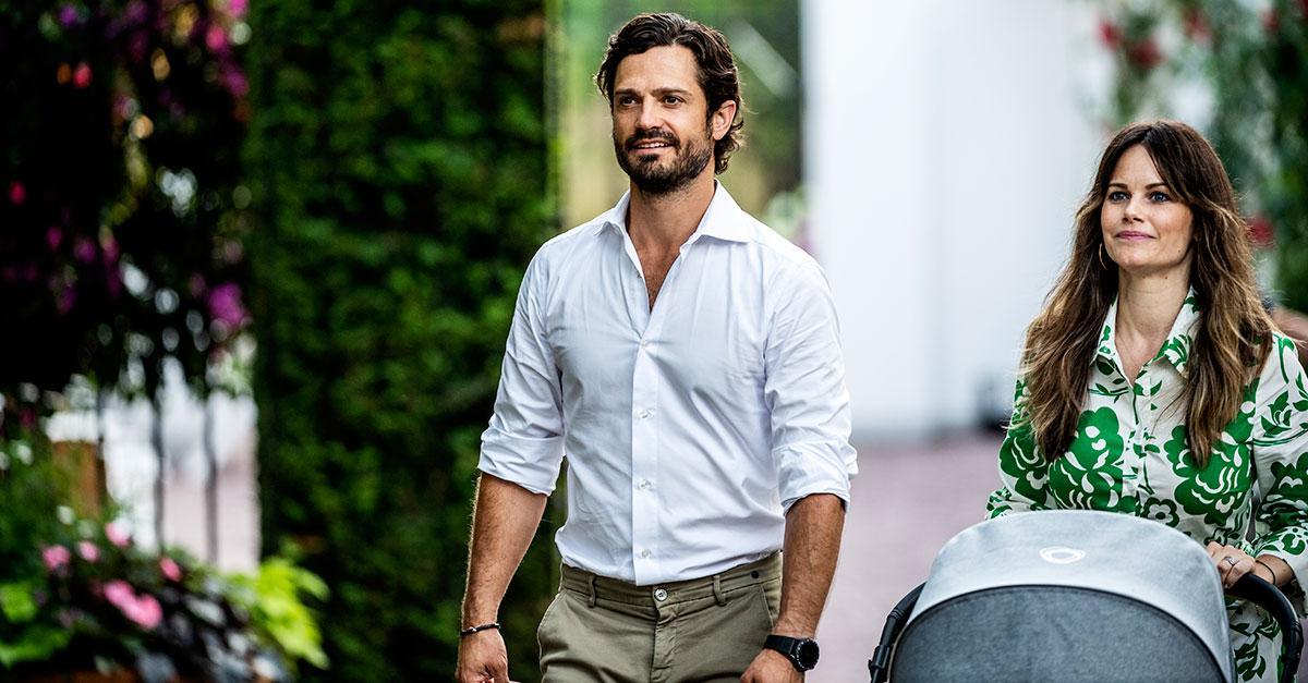 Prins Carl Philip och prinsessan Sofia anländer till Carolas uppträdande på Solliden sessions den 13 juli.