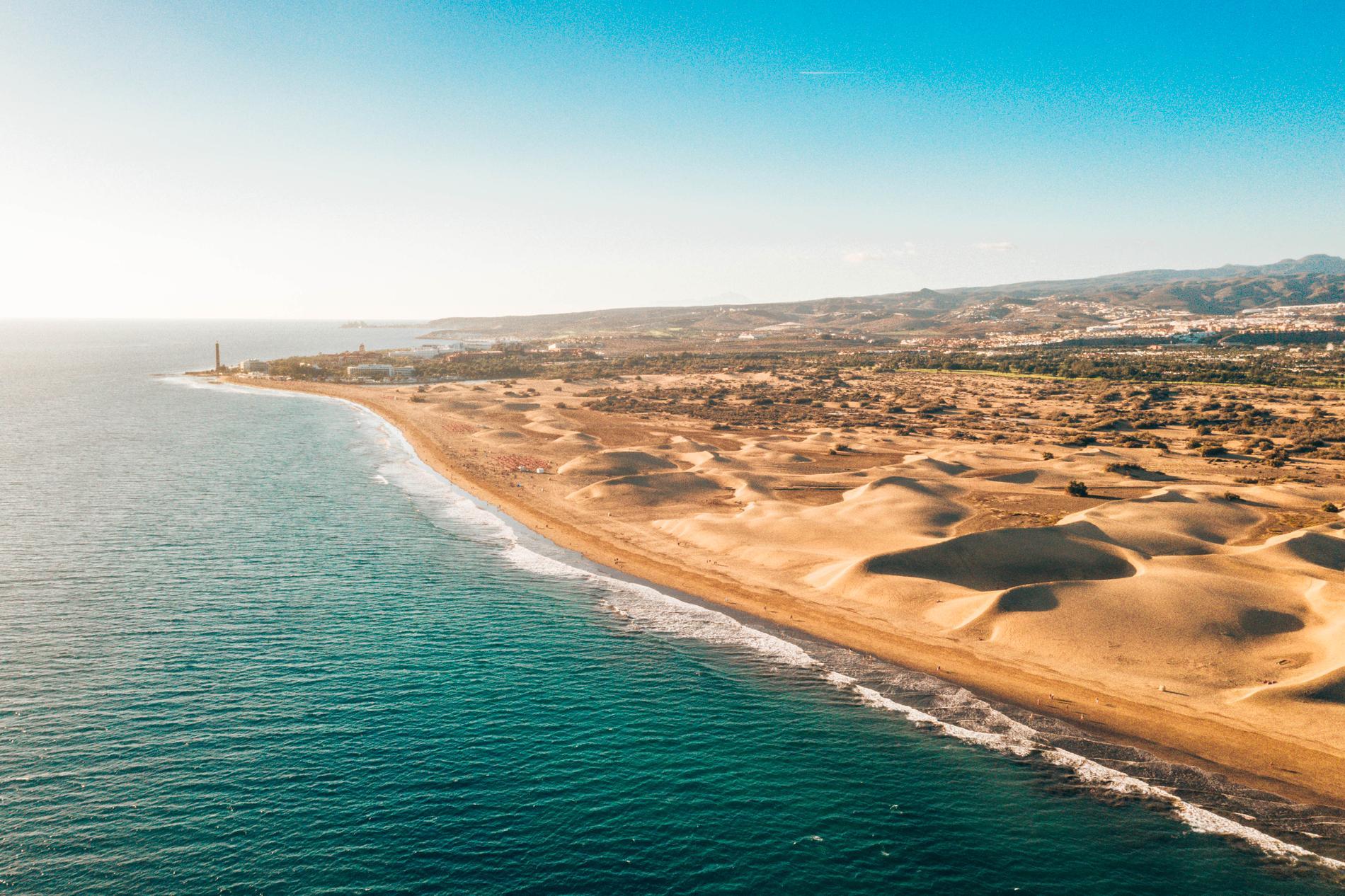 Vid Maspalomas finns stora sanddyner.