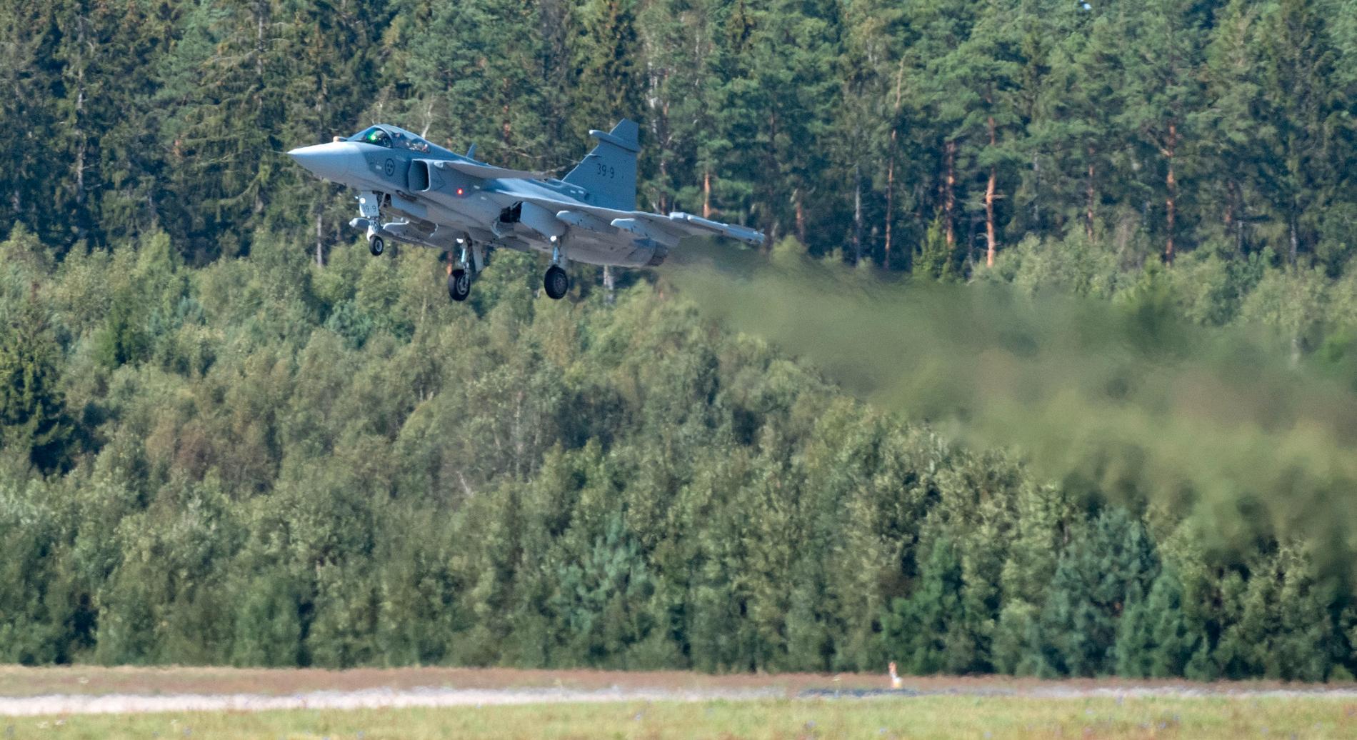JAS 39E Gripen på en uppvisning på F17 i Kallinge.
