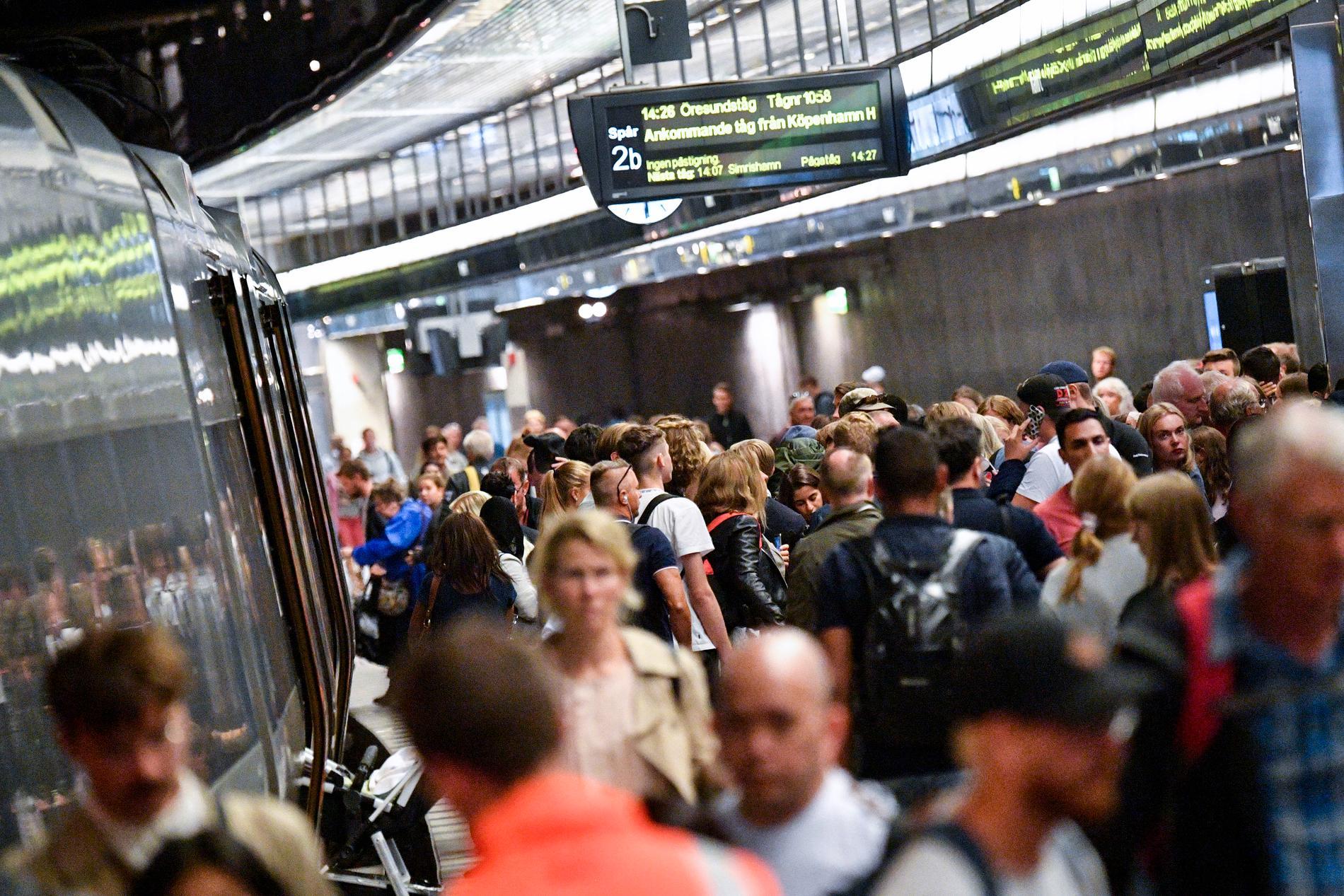 Öresundstågen. Personerna på bilden har inget men händelsen på tåget att göra.