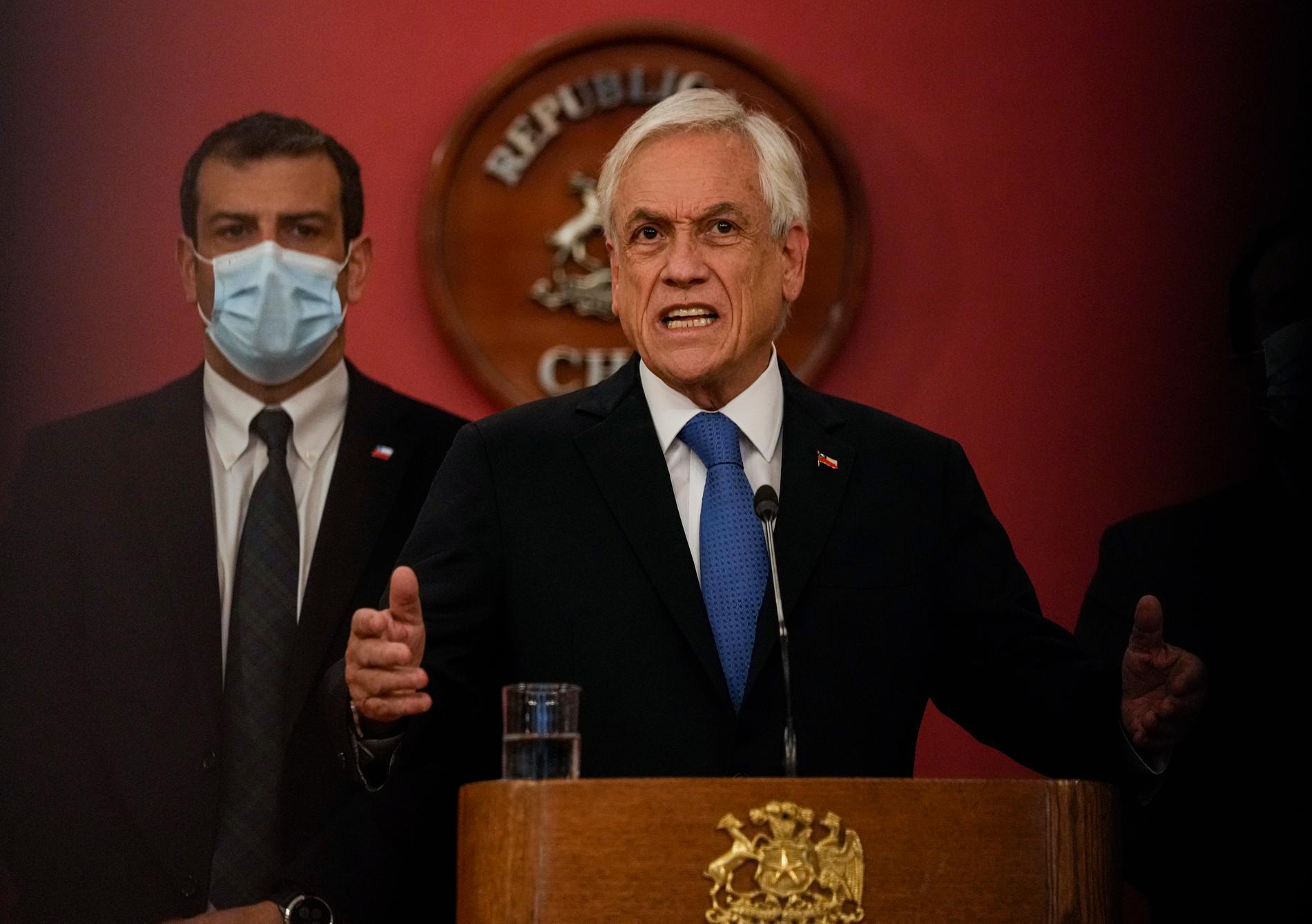 President Sebastian Piñera utfärdade nödläget under den kontroversiella Columbus-dagen.