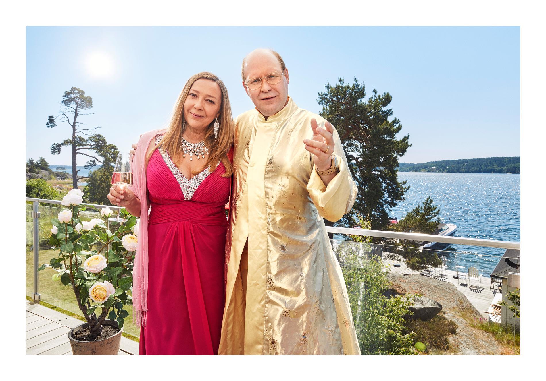 """Malin Cederbladh och Henrik Dorsin som Anette och Ove Sundberg i """"Solsidan"""""""