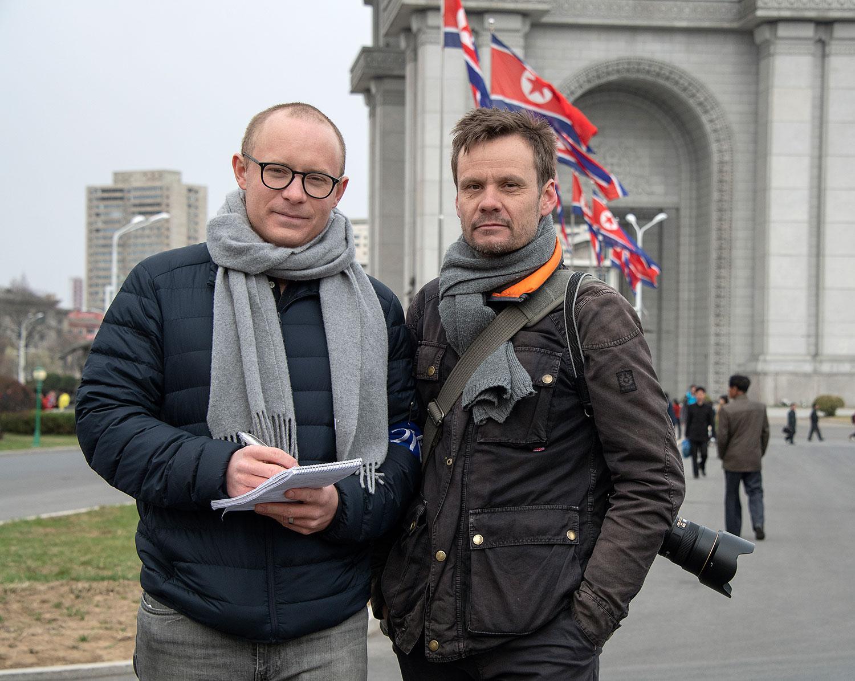 Aftonbladets Gustaf Tronarp och Jerker Ivarsson på plats i Pyongyang.