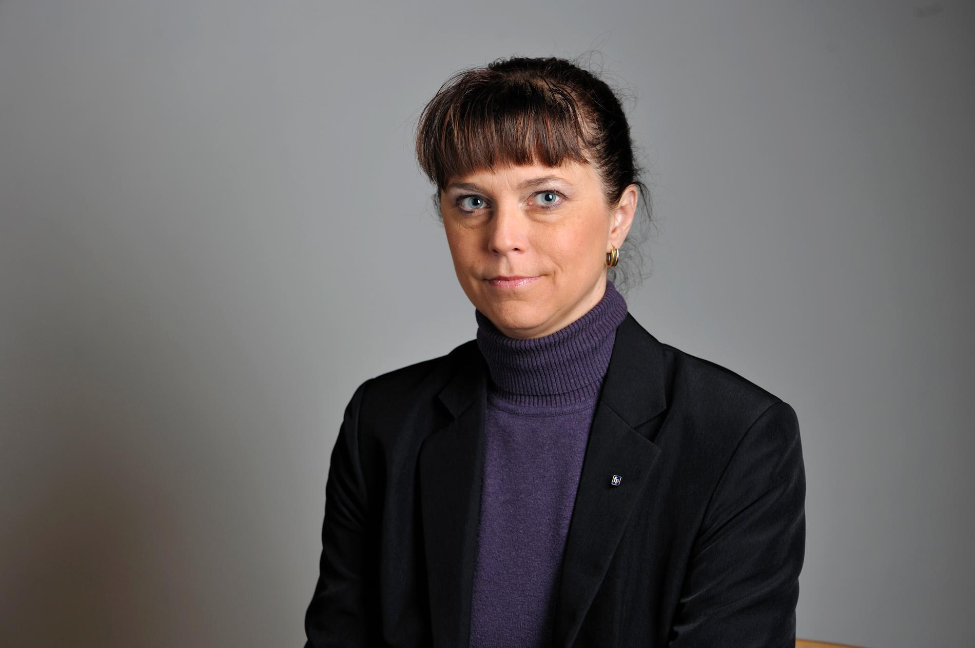 Emma Carlsson Löfdahl, (L).
