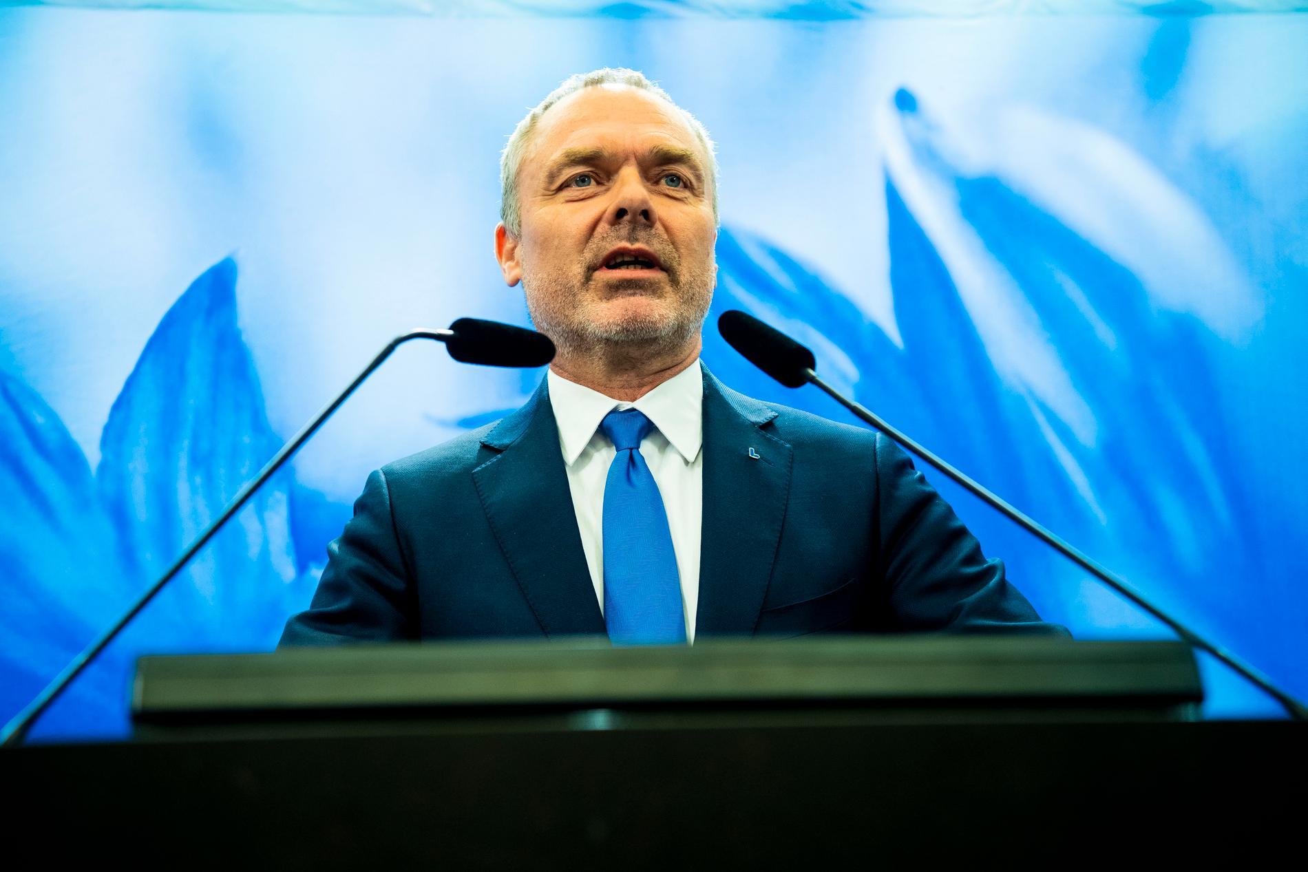 Jan Björklund har meddelat att han avgår som partiledare för Liberalerna.