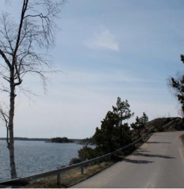 Strandvägen har kallats för Nynäshamns vackraste bilväg.