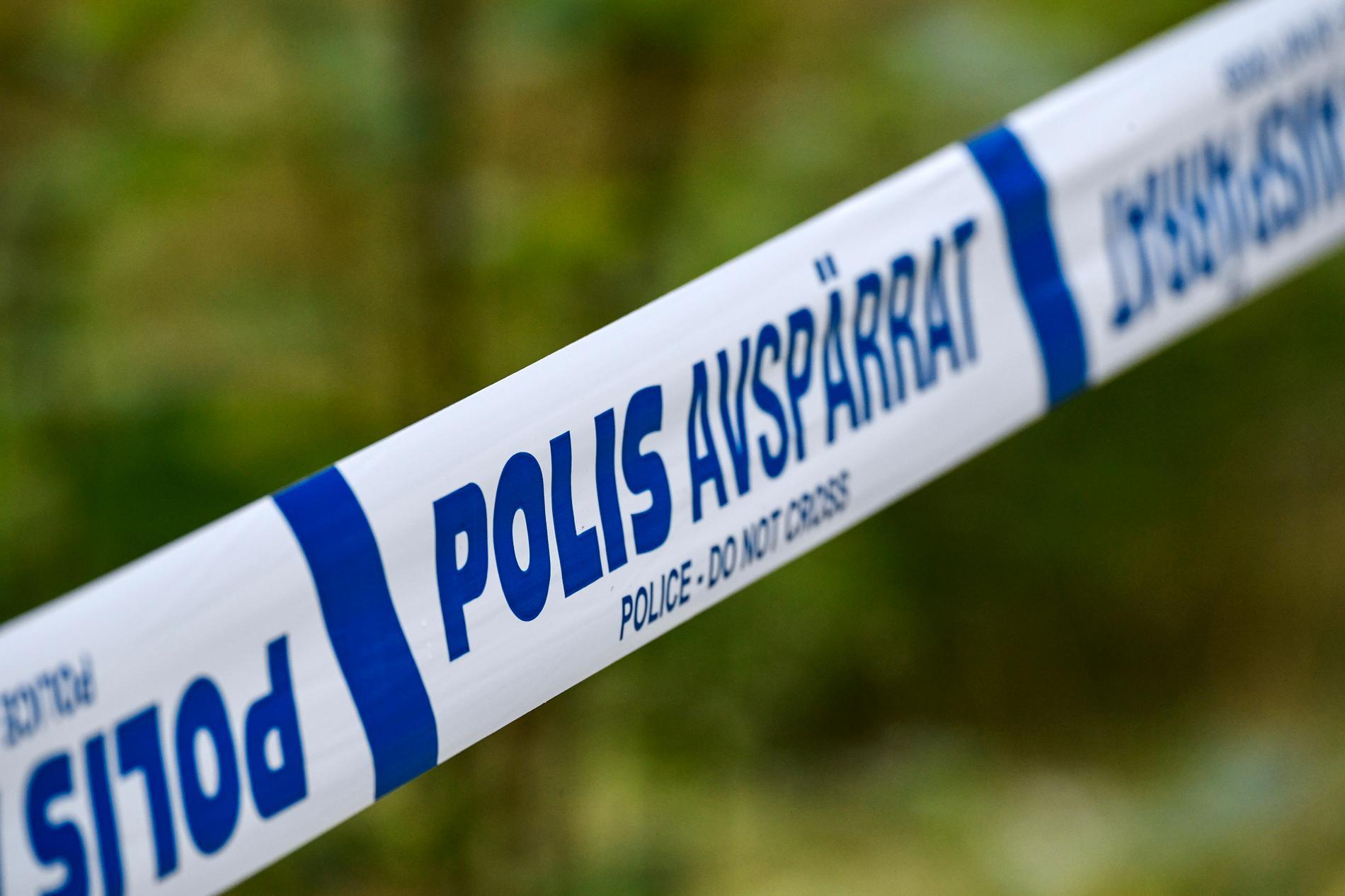 Fyra flickor fördes till sjukhus efter en krock mot ett träd i Timråtrakten. Arkivbild.