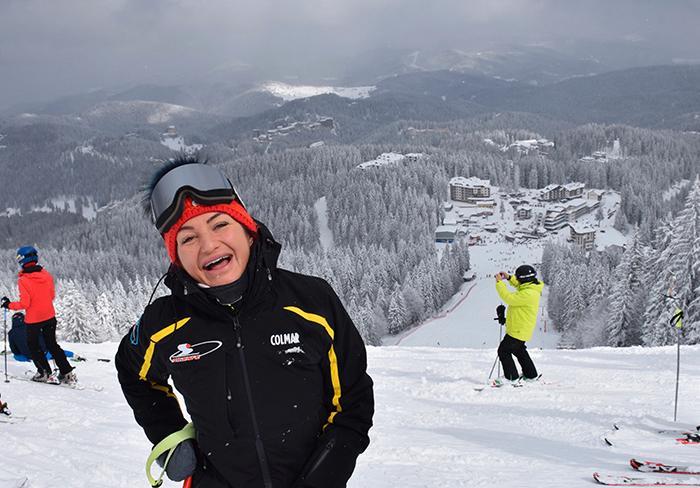 Stefaniya Savkova, tidigare landslagsåkare i Bulgarien, är skidlärare i Pamporovo.