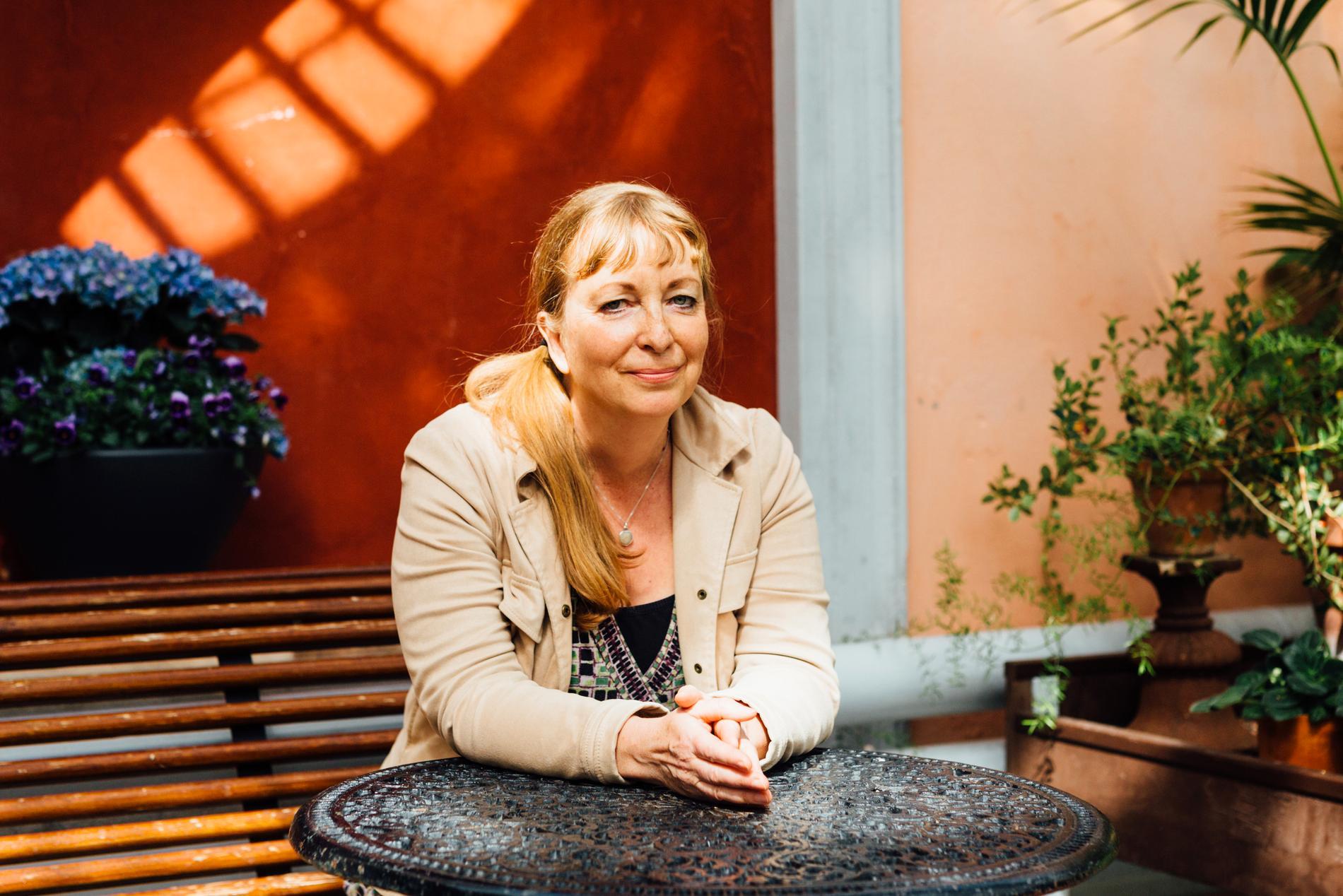 Henrika Ringbom, finlandssvensk författare, född 1962.