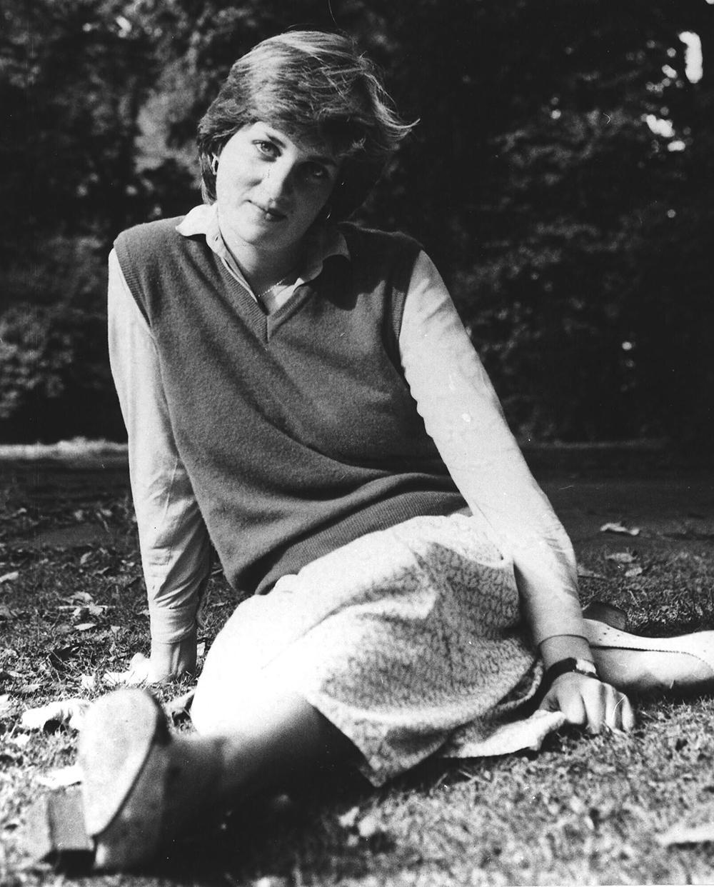 Diana jobbade som barnflicka hos ett amerikanskt par i London samt som förskolelärare på en förskola i Pimlico.
