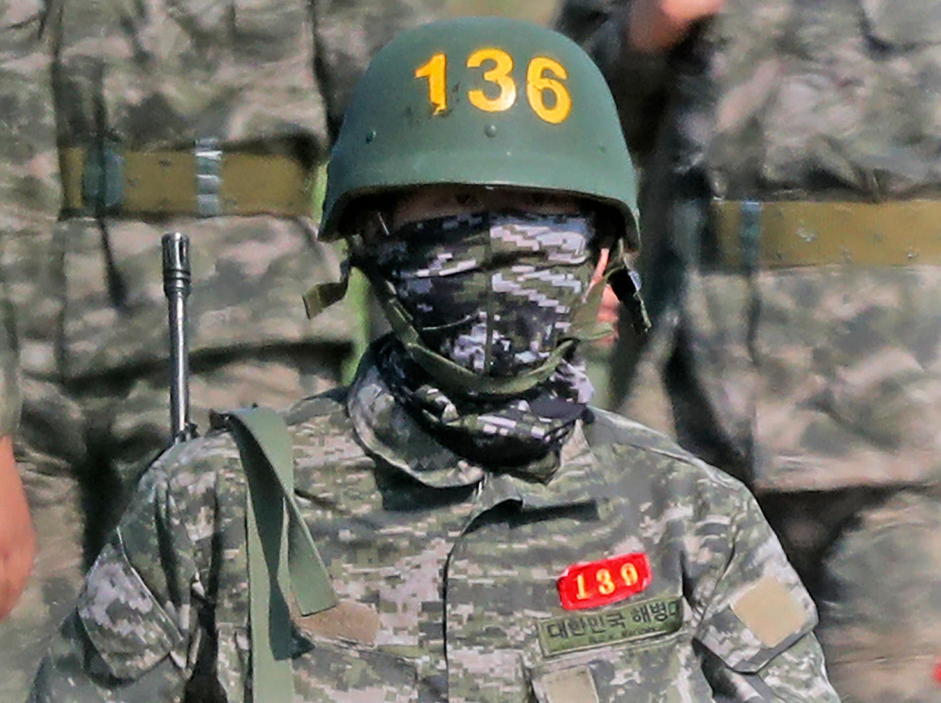Son Heung-min under sin tre veckor långa militärtjänst.