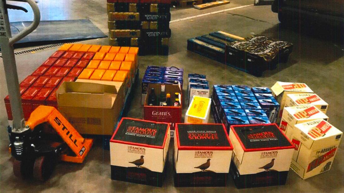 Mannen åtalas vid Malmö tingsrätt för smuggling och olovlig befattning med smuggelgods.