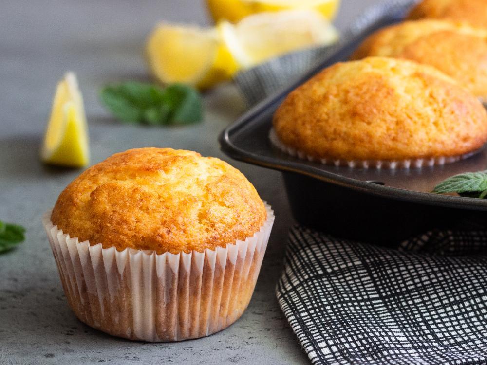Sötsyrliga citronmuffins är enkla att baka.