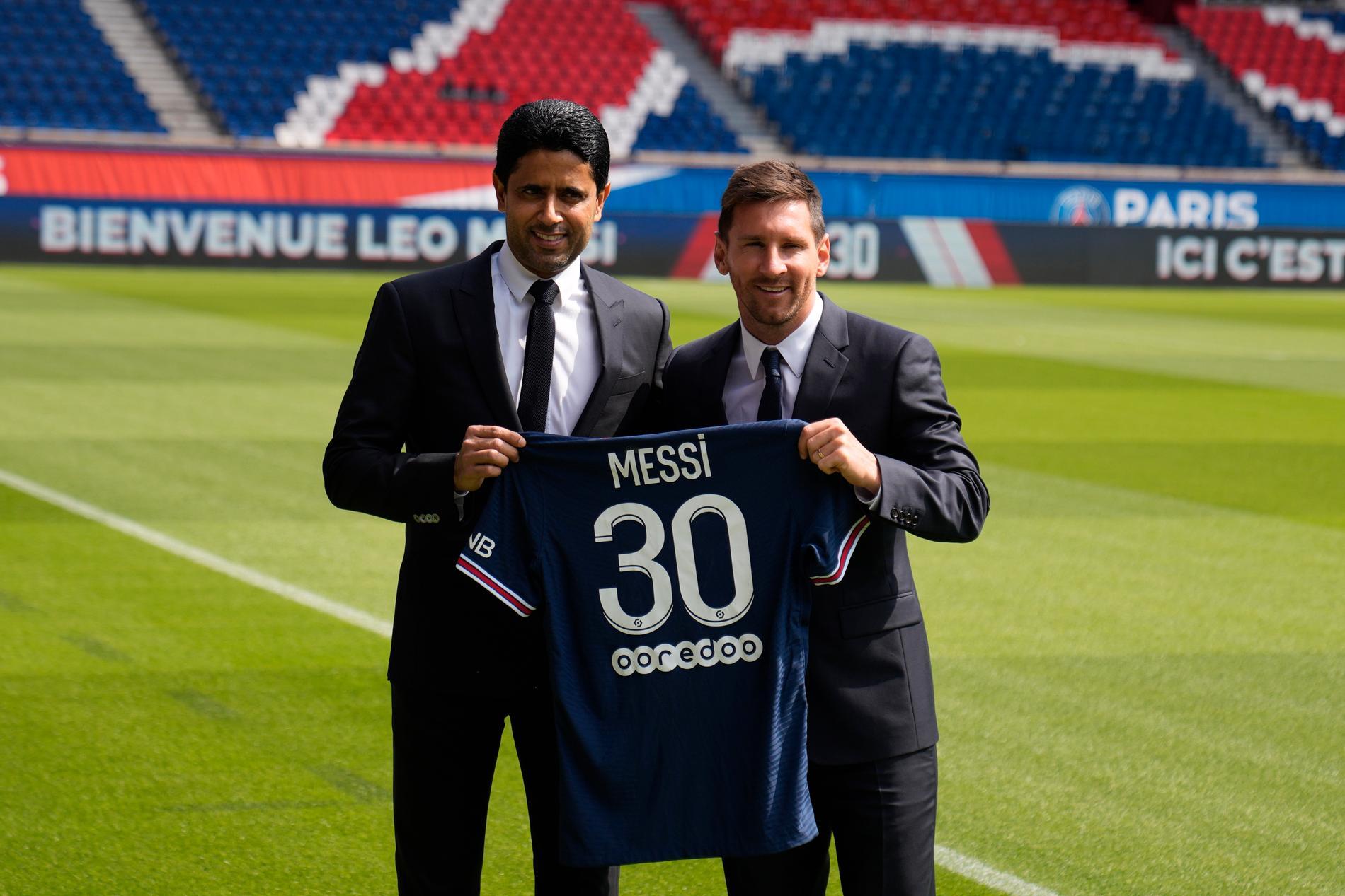 Messi tillsammans med PSG:s ägare Nasser Al-Khelaifi.
