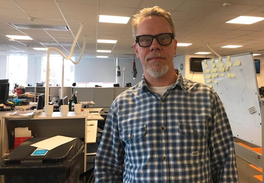 Martin Hallgren, tjänstgörande helgchef på Sydsvenskan menar att de sätter fokus på jämställdhetsfrågor.