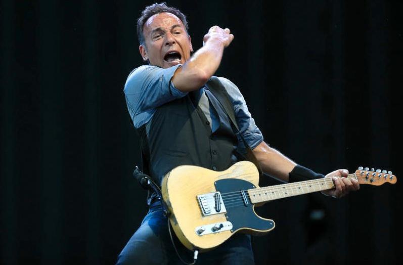 """Superstjärna på analyssoffan Nya Springsteen-biografin borrar djupare i människan bakom """"The Boss""""."""