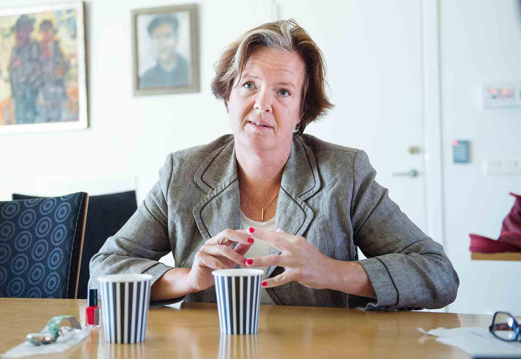 Carin Jämtin avgår som Socialdemokraternas partisekreterare.