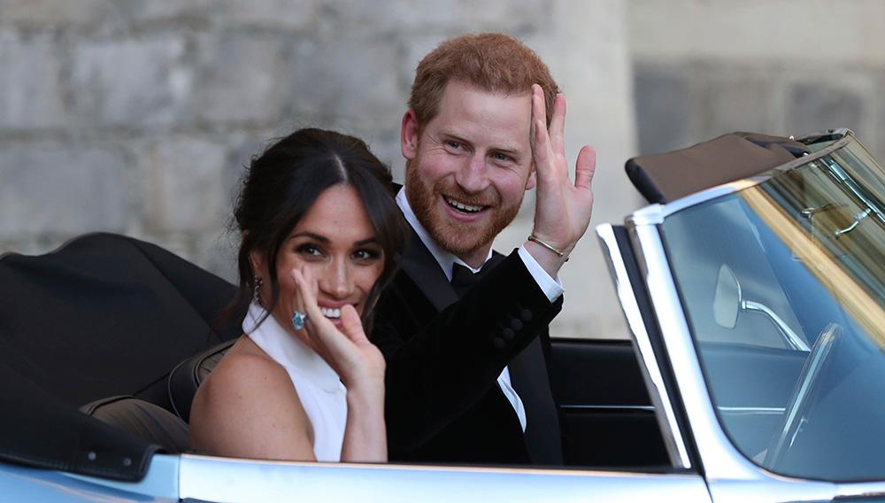 Meghan bar prinsessan Dianas akvamarinring på sin bröllopsdag.
