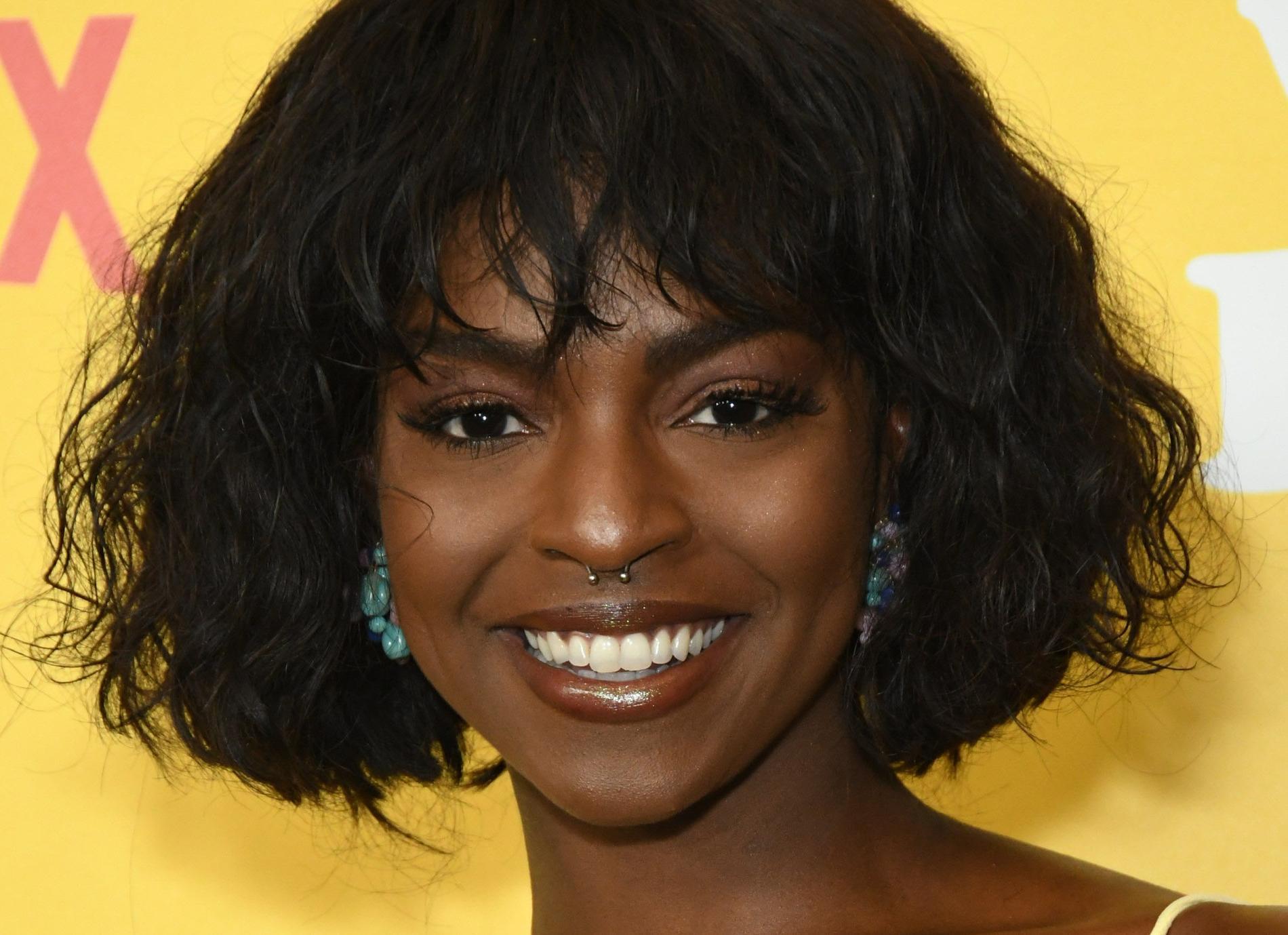 Samantha Ware anklagar Michele för att ha betett sig illa under inspelningarna.