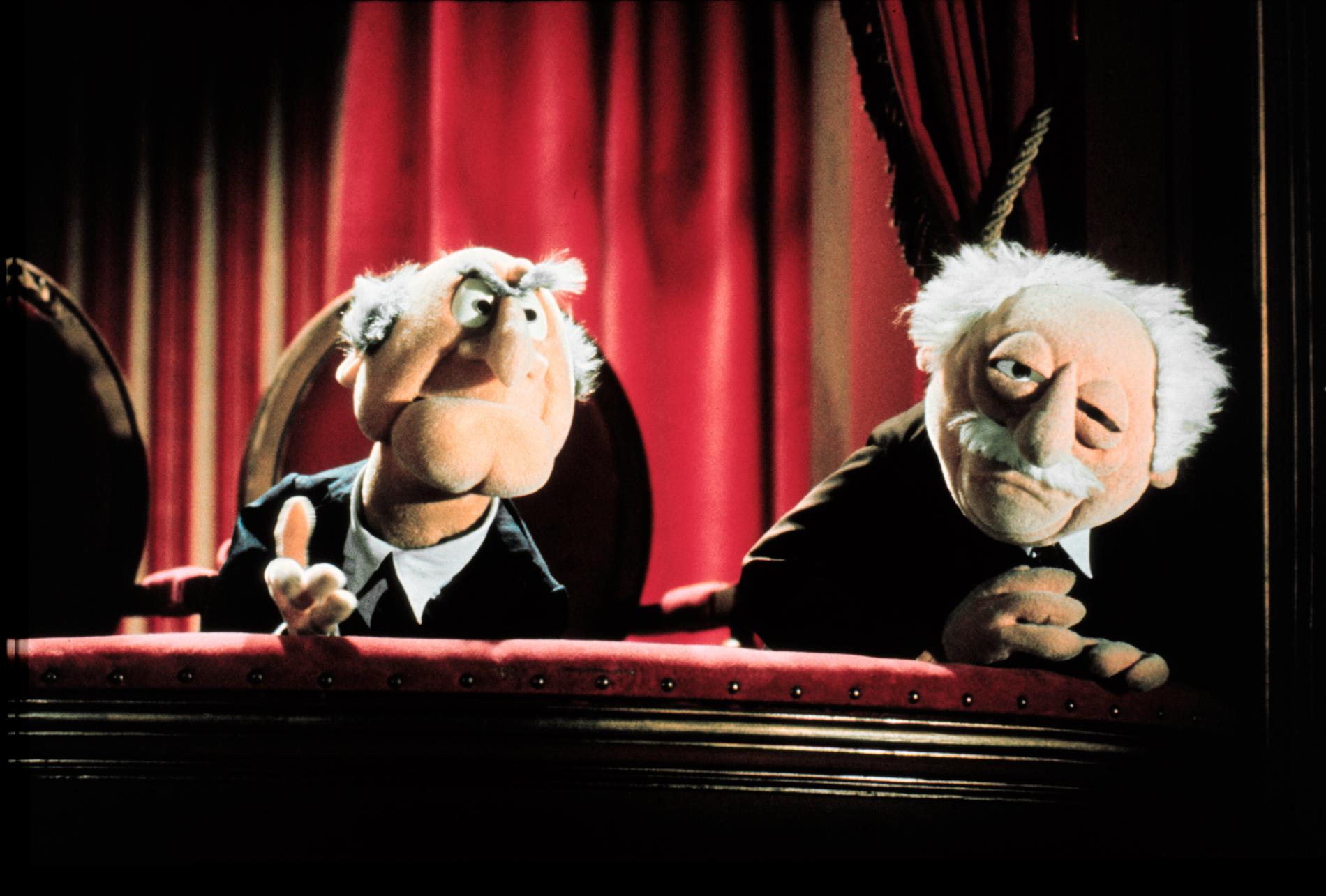 De kända mupparna Statler och Waldorf