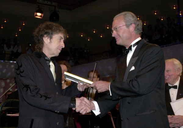 Så var det då. Dylan får Polarpriset ur kungens hand år 2000.