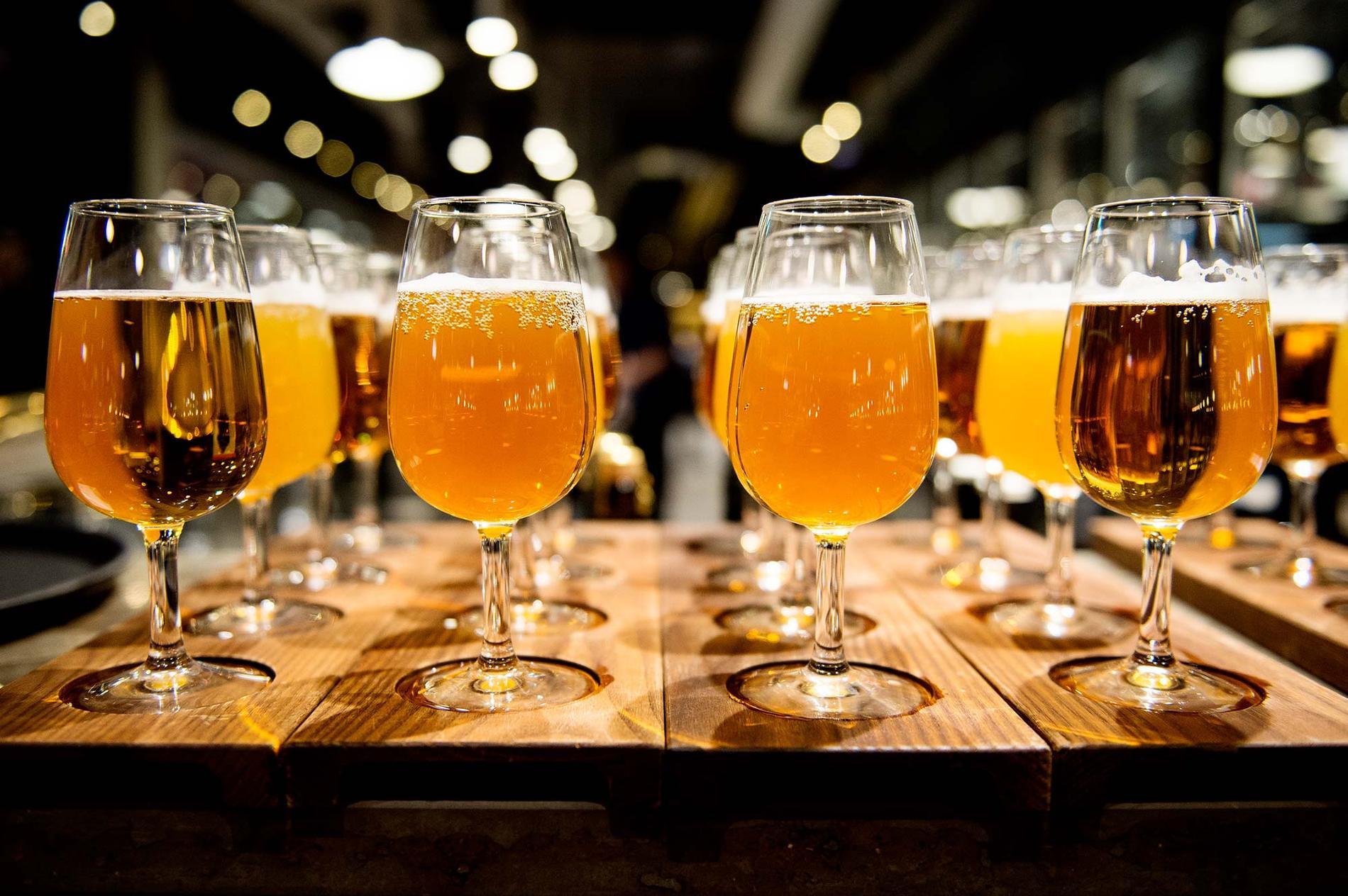 Lär du hur man matchar maten med ölet på bästa sätt.