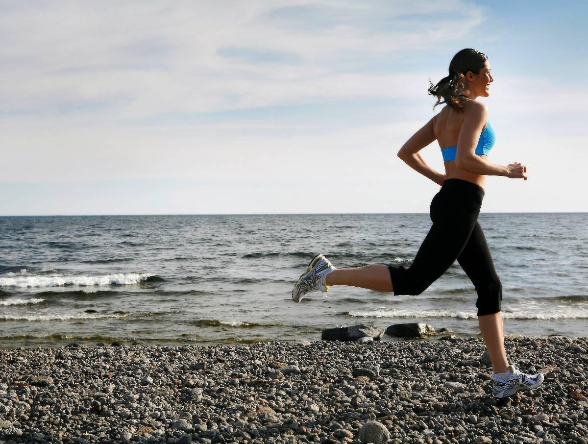 Sommarsolen gassar fortfarande, men vill du vara först med höstens hetaste träningstrender kan du börja redan nu med hjälp av Hälsas fem tips.