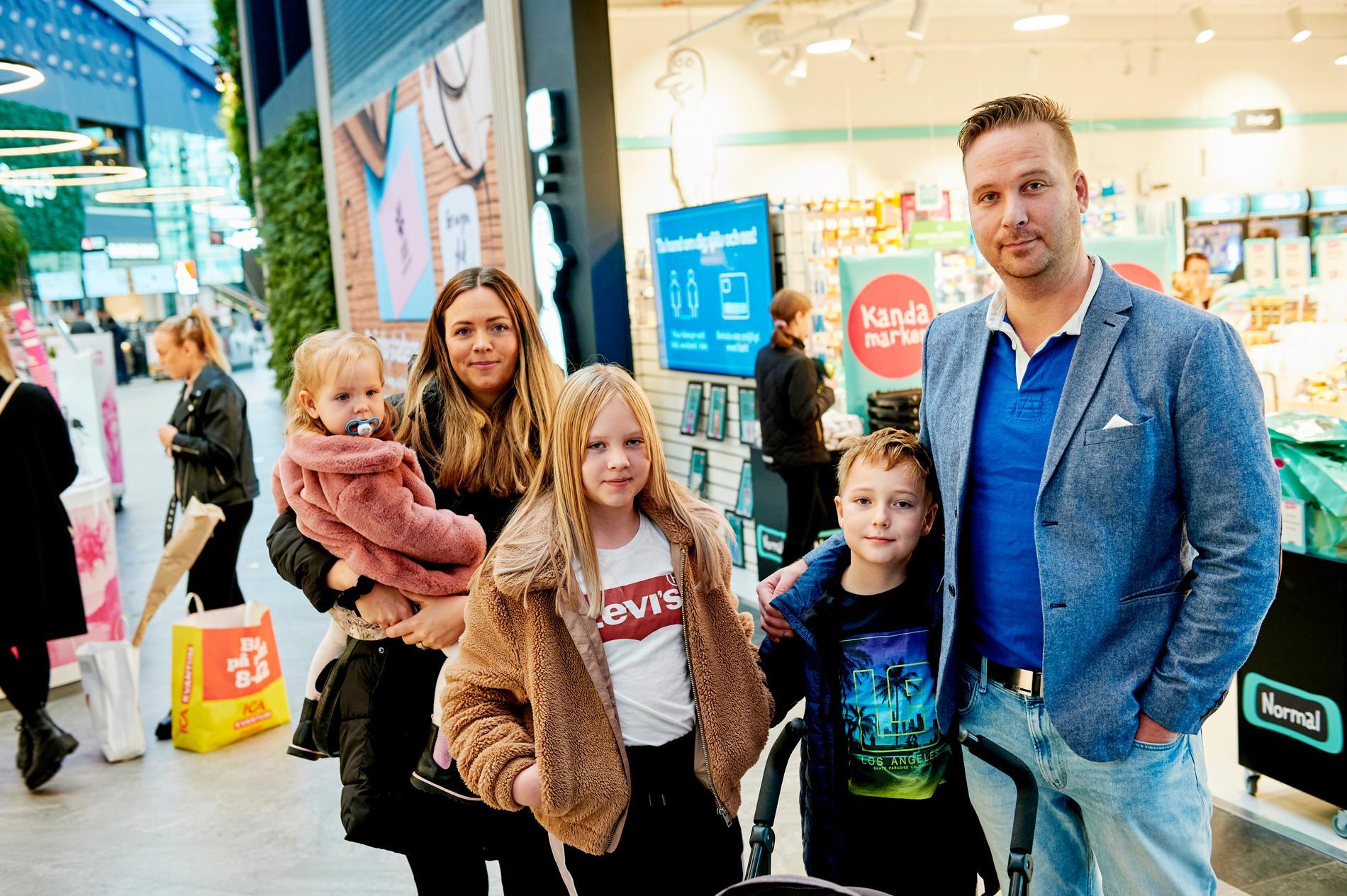 Pål Öhman, 40, med familjen. Pauline, 1,5, Caroline, 38, Josephine, 11 och Philip, 8.