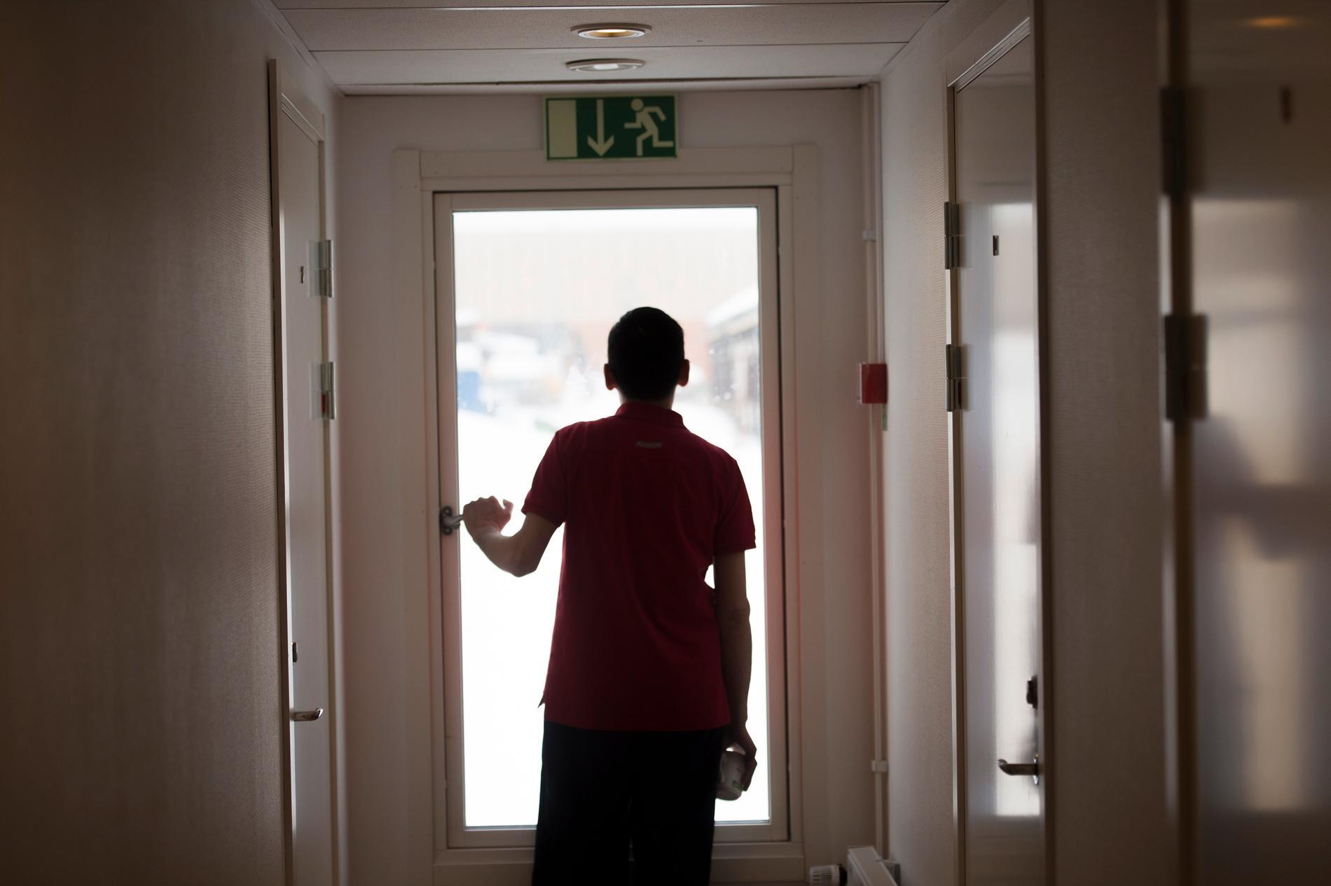 De flesta som dömts för gruppvåldtäkter är födda utanför Europa, enligt en ny kartläggning. Brå har tidigare sagt nej, men vänder nu och uppger att en ny studie om brott och ärkomst kan behövas. Arkivbild.